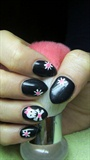 Nails with a skull and rustic flowers