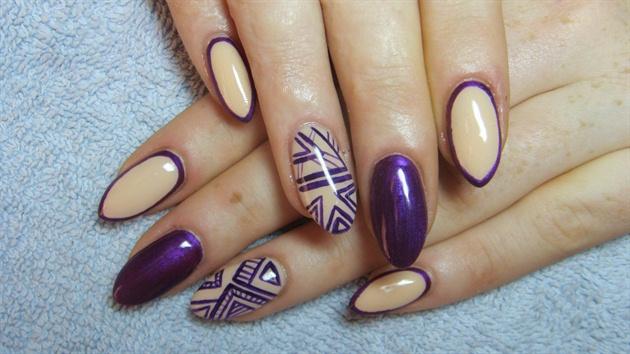 Nude and dark purple nails