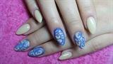 Elegant beige and blue nails