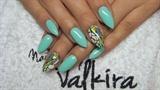 Mint abstract nails