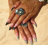 flashy nails ^^
