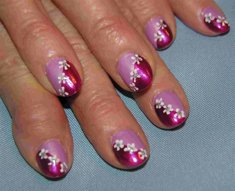 Dot Flowers Nail Art Gallery