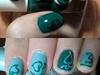 Green fleuron with light/dark variations