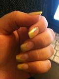 yellow v manikyr