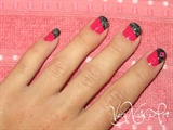 Decorado de uñas rosa