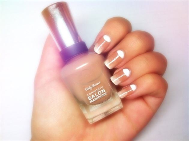 Classical nail art
