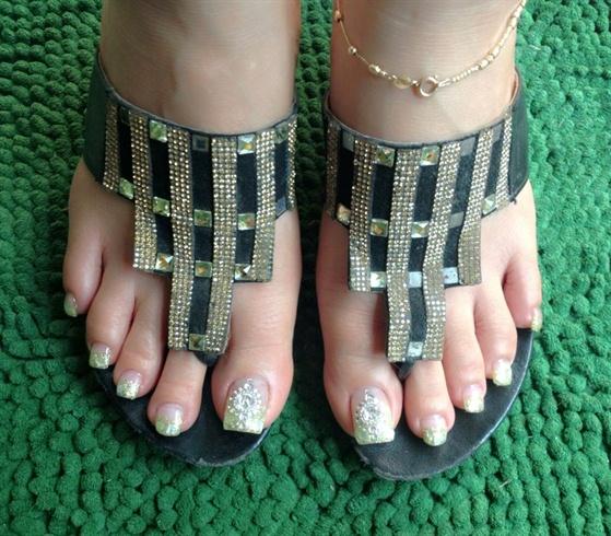 Bridal Toes - Nail Art Gallery