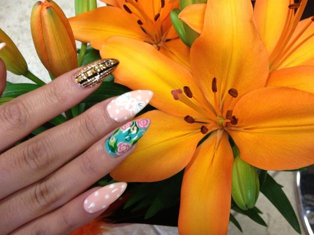 Vivian nail art