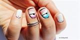 Naočarati nail art dizajn