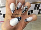 Fine line nail art