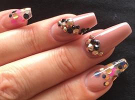 nail art: Polka Dots