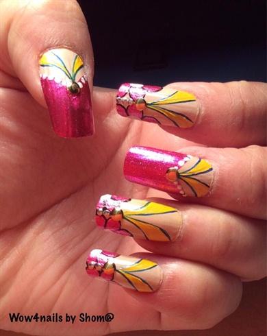 Modern floral nail art