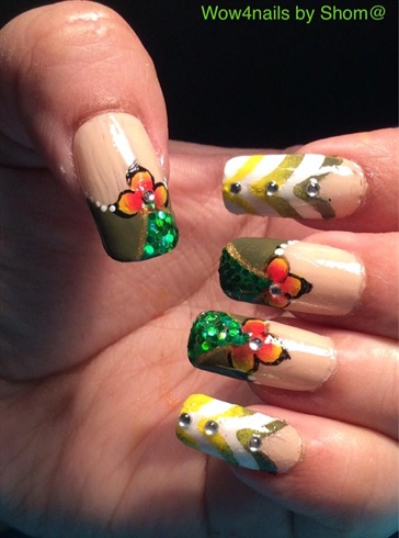 Chevron one stroke floral design nail