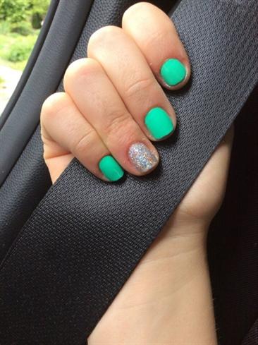 Green/teal Glitter Nails!