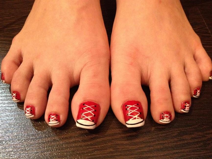 Sneaker Toes - Nail Art Gallery