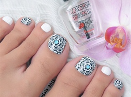 Lace Toe Nail Art