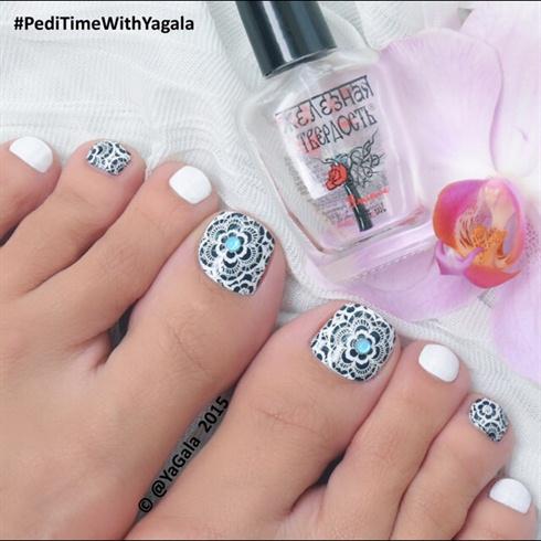 Lace Toe Nail Art
